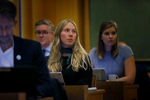 Karoline Sjøen Andersen  (H) er ikke imponert over miljøtiltakene til MDG og resten av flertallet i bystyret.
