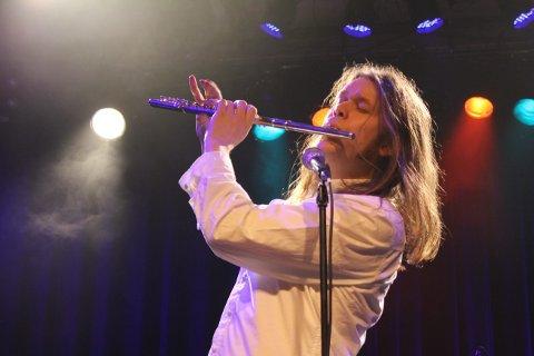 PROG & ROCKFESTIVAL 2019: D'AccorD med vokalist og fløytist Daniel Måge i spissen spiller fredag på Høvleriet.