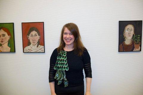 BLANT PORTRETTER: Kirsten Opstad viser i Haugesund Billegalleri 75 selvportretter malt over tid. De første ble til i vinteratelieret til Edvard Munch på Ekely.