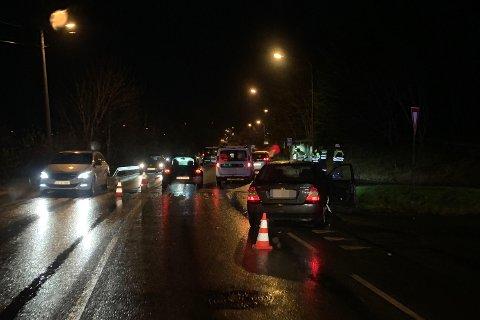 To biler kolliderte i Vestre Karmøyveg like før klokken 07.30.