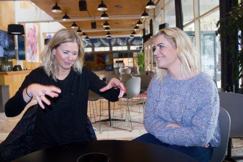 """HAR ANSVAR:  Stine G. Jensen (til v. ) og Ingunn Soland Drabløs er produksjonsansvarlige i oppsetningen """"Nøtteknekkeren""""."""