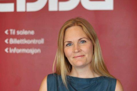 IKKE TOPPÅR: -– Vi er ikke bekymret for økonomien, men det blir ikke et toppår, sier kinosjef Marit Sætre Færevåg ved Edda kino.