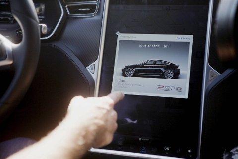 Det ble trøbbel for 110-sentralen da de nye Teslaene ble rullet ut ...