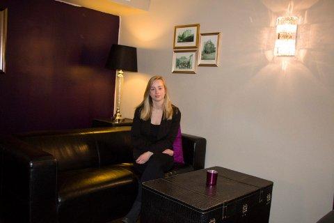GLADMELDING: Hotellsjef hos Banken Hotel Camilla Husby forteller om tøffe dager, som følge av koronakrisen. Nylig fikk hotellet en gladmelding.