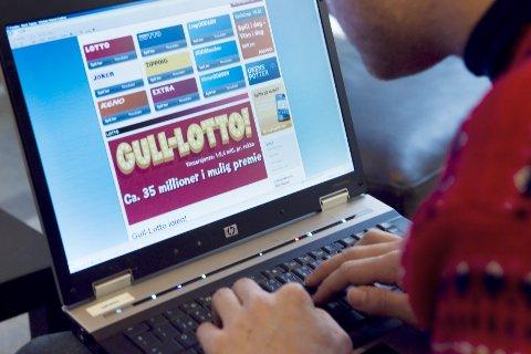 Det er bare Norsk Tipping og Norsk Rikstoto som har lov til å tilby pengespill på nett til nordmenn. Illustrasjonsfoto: Heiko Junge / Scanpix