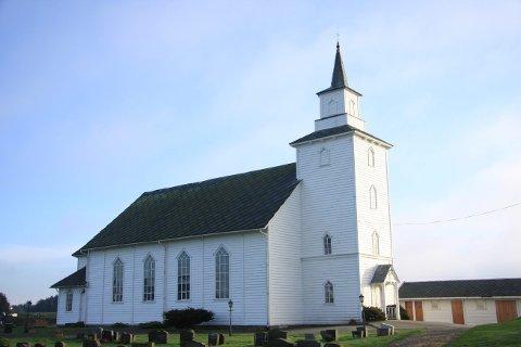RINGER PÅ LØRDAGER: Torvastad kirke vil ringe i klokkene på lørdager kl. 17.