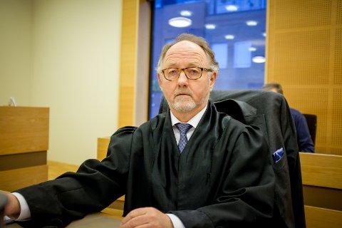 Gulating lagmannsrett behandler bevisanke anlagt av en mann bosatt i Sveio som i fjor ble dømt til 19 års fengsel. Mannens forsvarer er advokat Trond Hjelde. Foto: Terje Størksen