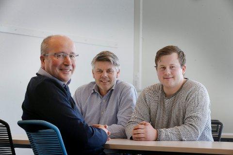 BRAVO MARINE: To ringrever og en ung mann med ideer: Fra venstre Leo Detz, Rune Haave og Jørgen Haave, som sammen utgjør Bravo Marine AS.