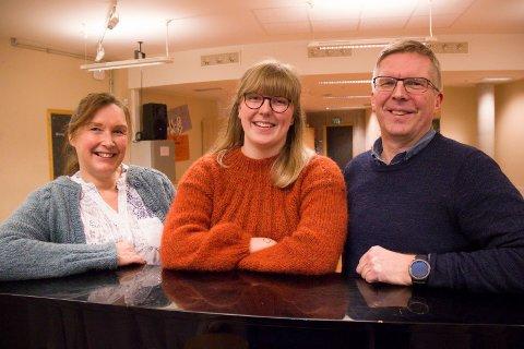 MUSIKANTER: To søsken og en datter:  Fra venstre Grethe Rasmussen Hjellset (52), Solveig Stange-Rasmussen (18) og faren hennes Knut Åge Rasmussen (57) som alle spiller i Haugesund Janitsjarorkester.