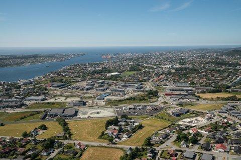 Tomteutviklingen på begge sider av omkjøringsveien fortsetter. Haugaland Handelspark skal det neste året reise tre nye bygg. To av dem får Montér som nærmeste nabo, og det siste blir nabo til Brødrene Dahl.