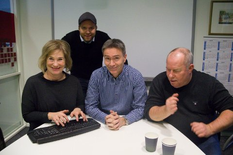 HUMORSHOW: Disse fire skal lage show i Festiviteten lørdag 6. april. Fra venstre komikerne Nina Westerlund Lie og Rune Bjerga, Knut Netland blir talkshowvert mens Svein Sjøen representerer Slogmåkane.