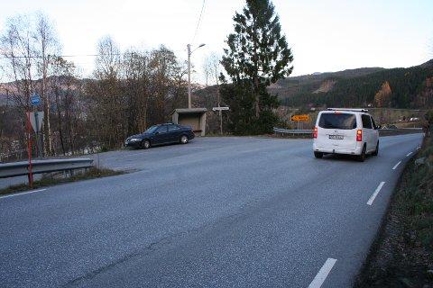 NYTT KRYSS: Vegdirektoratet har godkjent at bygging av nytt Mørkelikryss og busstopp på E 134 kan starta med det same - ved at Haugalandspakken forskotterer statens bidrag på 21 millionar. Staten betalar pengane tilbake i 2021. (Foto: Sigmund Hansen).