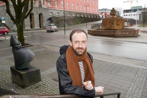 SILDJAZZ: - Vi følger i store trekk det Telemarksforksning anbefaler om at Sildajazz blir en selvstendig enhet, sier kommunaldirektør for kultur, idrett og frivillighet, Simon Næsse.