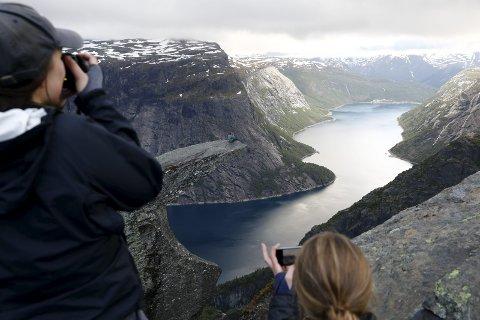 ARBEIDSPLASSER: – Vi må sørge for at turismen skaper arbeidsplasser over hele landet og gjennom hele året, skriver Cecilie Myrseth. Ill.foto: NTB SCANPIX