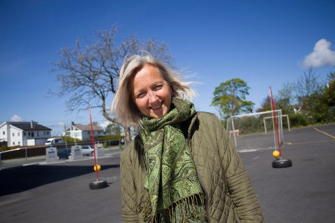 ELSKER 17. MAI: Rossabø-rektor Reidun Rødesike gir seg som stemmen på Rådhusplassen etter ti år.