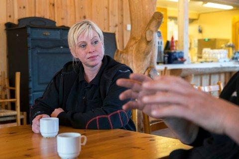 Veronika Digernes er daglig leder ved Grindafjord feriesenter. Hun eier campingplassen sammen med Kenneth Jensen .