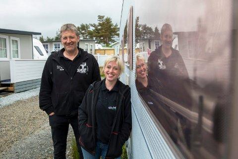 Kenneth Jensen og Veronika Digernes er paret som eier og driver campingplassen i Grinde. Påsken ble langt fra det de hadde sett for seg.
