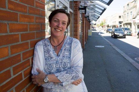 LÆRER OG FORFATTER: - Å skrive for voksne er helt nytt. Det bobler over av ideer, men hva framtiden bringer vet jeg ikke, sier Inger Postvoll (54).