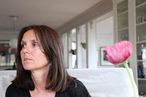 DIKTER: Lise- Marte Vikse Kallåk har skrevet om sorg og forholdet til moren i diktsamling.