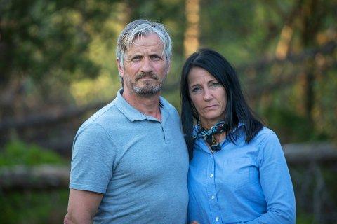 KJEMPER FOR DATTEREN: Foreldrene reagerer på behandlingen datteren har fått av Haugesund Turnforening. - Vi sitter igjen med fortvilelse, håpløshet og frustrasjon, sier Dag Skiftestad og Liv Berit Flatebø.