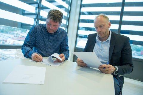 Signering: Daglig leder Gunvald Mortvedt i Westcon Power & Automation og daglig leder Willie Wågen i Sustainable Energy