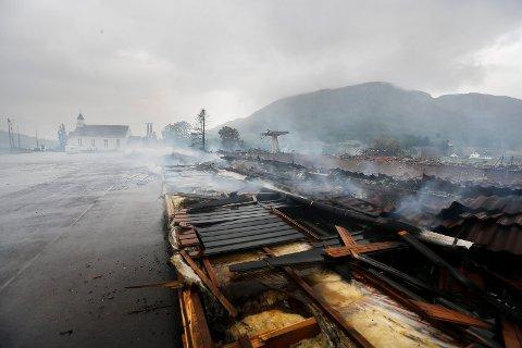 Vindafjordhallen brant ned til grunnen sommeren 2019. Forsikringsoppgjøret skal avgjøres i retten.