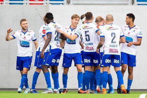 SNUDDE KAMPEN: Haugesund jubler for scoring.