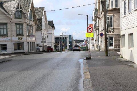 HELE HELGA: Fra og med fredag kan du ikke kjøre i krysset Tuhauggata/Kirkegata.