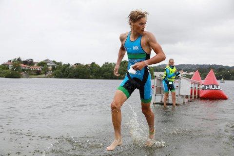 IMPONERER: 17 år gamle Erik Nygaard Madsen fra Haugesund markerer seg på internasjonalt nivå i triatlon.