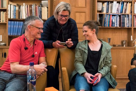 Trine Meling Stokland til høyre, fikk fleste slengere i Haugesund. Hun kan også bli varaordfører i byen. Her sammen med to andre SV-ere, Andreas Myge og Gjertrud Kjellesvik.