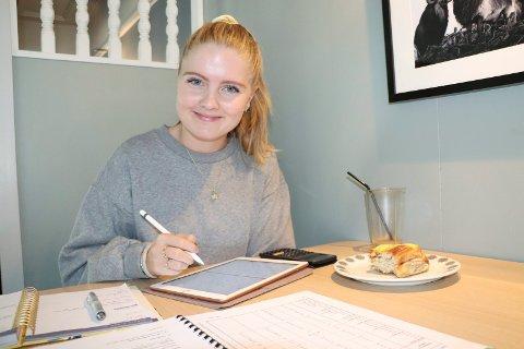 STUDENT: Eline Jacobsen Vikse (20)er Haugesunds yngste folkevalgte. Til daglig studerer hun petroleumsteknologi i Stavanger.