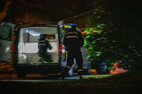 AKSJON: Politiet ransaket i desember en bolig på Karmøy. Det er uvisst om det er på denne adressen politiet fant våpen.