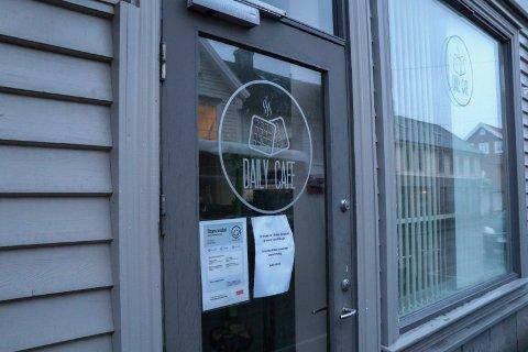 STENGT: The Daily Café i Strandgata holder fortsatt stengt på ubestemt tid.