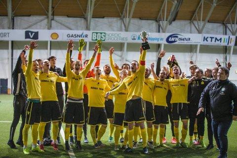 VANT I 2019: Bremnes jubler for seier i finalen i Karmøy Cup i fjor.