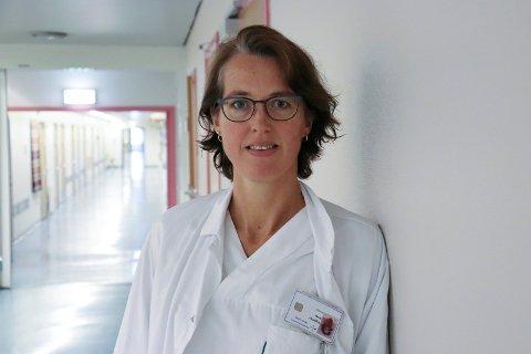 BARNELEGE: Grete Vigemyr på Haugesund sjukehus.