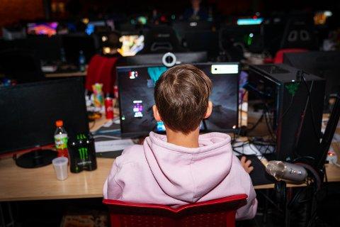 GAMER: Daniel Thulin Holgersen deltok for første gang på lan i helgen.