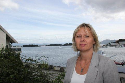 BA OM LØSLATELSE: Advokat Siri Øvstebø forsvarer den brannsiktede tenåringen, men vant ikke fram med sitt krav i lagmannsretten.