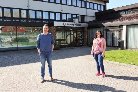 KAN SE TILBAKE PÅ EN FIN UKE: Kommuneoverlege Katrine Marie Haga Nesse og smittevernlege Martin Eikrem i Karmøy kommune.