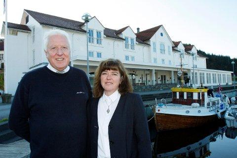 SVIKT: Erling Asbjørnsen og Tina Asbjørnsen driver Ryfylke Fjordhotel på Sand.