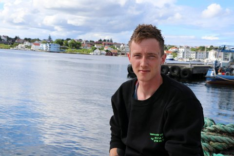TRIVES PÅ SJØEN: Etter mange år som fisker skiftet Nils Marthon Svendsen yrke. I sommer setter han vannscootere på sjøen fra kaien på Avaldsnes til folk som vil leie istedenfor å eie.