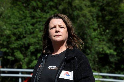 PENDLER: Benny-Marie Lønning Hafver reagerer på at ferJestrekning Langevåg Buavåg er så ofte innstilt. Hun pendler på jobb til Alsaker Fjordbruk på Fjon i Sveio.
