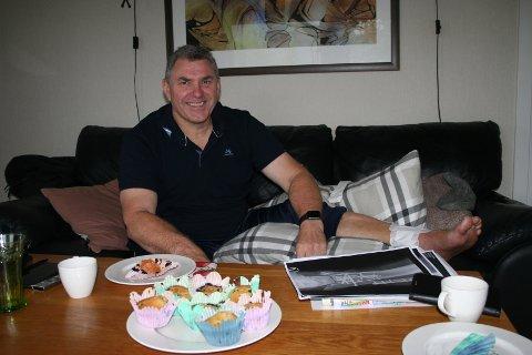 TILBAKE 1. OKTOBER: Vindafjord-ordførar Ole Johan Vierdal prøver seg på jobb att 1.oktober – tre månader etter at han fall ned frå hyttetaket på Seljestad.