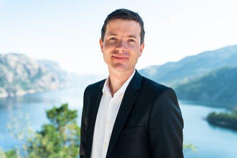 ÅPNER KONTOR: Kurt Inge Nybru åpner eiendomsmeglerkontor i Sauda sentrum.