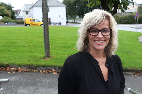 """SKIFT JOBB OG BRANSJE: Elisabeth Lie Nilsen, leder for Nav Marked i Nord-Rogaland, anbefaler permitterte og arbeidsledige å fylle dagene med aktivitet. - Jeg tror det er enormt viktig at folk ikke """"venter"""" ut  ledigheten nå, men at de prøver å skifte jobb og ikke minst bransje så raskt som overhodet mulig, mener hun."""