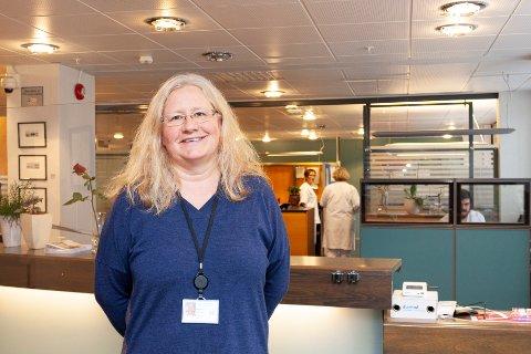 TAKKNEMLIG: Klinikkdirektør Anne Beth Njærheim er takknemlig for alle som har stilt opp ekstra etter at det ble kjent at en av medarbeiderne ved Stord sjukehus er koronasmittet.