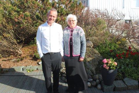 MINISTER-SLEKTNING: Snart trer Lars Geir Haga og moren Grethe Hagas slektning, Debra Haaland, inn i den amerikanske regjeringen.