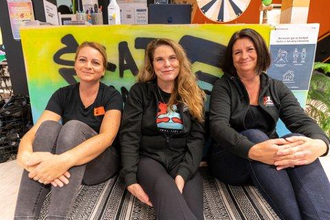 GÅR SAMMEN: Tina Knudsen, Lillian Levik Løndalen og Linda Thorsvik starter noe nytt i Kopervik.