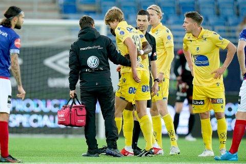 UT MED SKADE: Martin Samuelsen måtte forlate banen etter bare elleve minutter mot Vålerenga søndag.