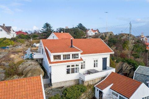IKKE SOLGT: Huset ble lagt ut for salg for to år siden, men ble ikke solgt. Nå har det igjen dukket opp på markedet.