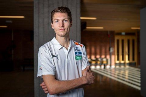 SKADET: Tom Erling Kårbø skulle konkurrert i Spania i disse dager, med mål om å ta OL-kravet. I stedet er han hjemme på Stord. Skadet.